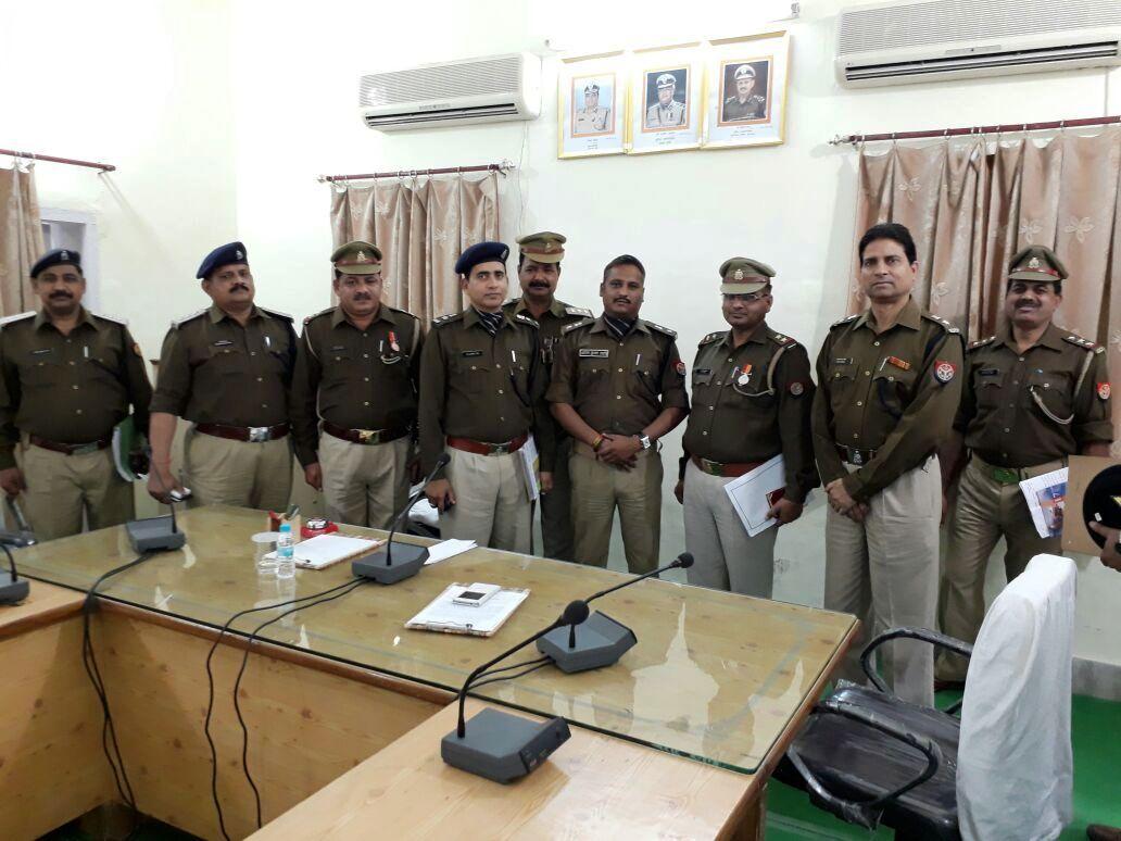 Khaskhabar/जलीलपुर:पुलिस अधीक्षक धर्मवीर सिंह ने जलीलपुर पहुंचकर